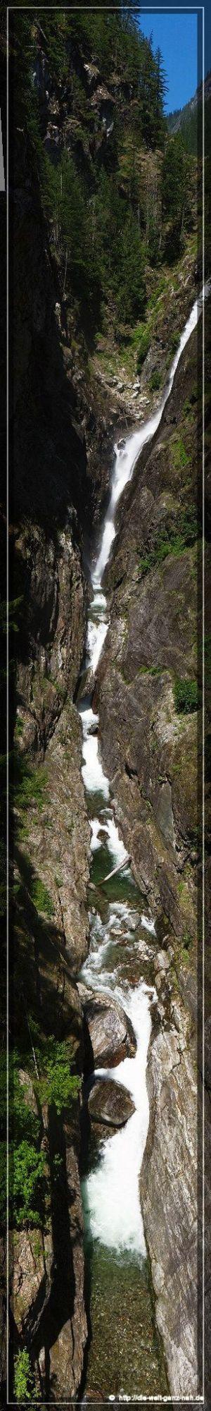 Comp Pano Cascades1 A 2